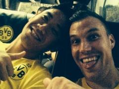【画像】グロスクロイツがマインツに向かうバスの中で香川との2ショットをインスタにアップwww
