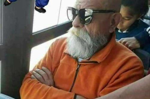 外人「バスに亀仙人がいたwwパシャッ」 のサムネイル画像