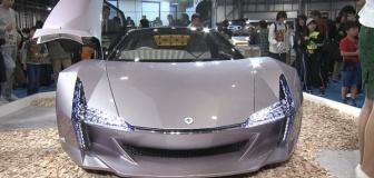 """【自動車】""""木""""からスーパーカーができた 環境に優しいセルロースナノファイバーがすごい 鉄の5倍の強度で重さは5分の1"""