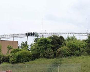 富士急ハイランドのジェットコースター「ド・ドドンパ」がループを昇りきれず数百メートル逆走する事故(現場画像あり)