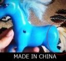 「中国製の馬のおもちゃを分解したら…絶望するほど後悔した」衝撃の写真