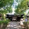 少彦名神と菅原道真公を祀る『安居神社』は大阪夏の陣で徳川方に敗れた真田幸村戦死の地。学業成就と病気平癒にご利益あり。