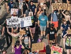 アメリカ市議会「みんな安心して!もう警察は居なくなるから!」警察の廃止を全会一致で承認!!! 黒人にとってより良い街づくりへwwwwww