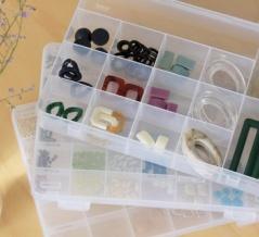 小物整理はセリアの「SIKIRI」シリーズがオススメ!手作りアクセパーツの収納例♪