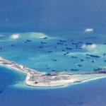 【中国】南シナ海で停泊中の数百隻の中国船が垂れ流す「人糞」がサンゴ礁に堆積!