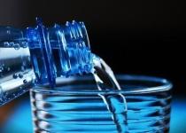 140円失う代わりに任意の飲料水(500mlまで)が手に入るボタン