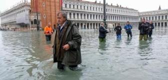 【イタリア】 「水の都」ベネチアで記録的高潮 187センチ上昇、1人死亡 感電死か 市内の85%以上が浸水