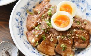 """食べ盛りの子供に """"丼物""""レシピ"""