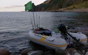 夏休みは1人でゴムボート釣りへ