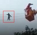 酒を飲み過ぎて酔った男性 電線で綱渡りをする奇行に出る 結局レスキューが救助する羽目に