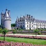 【画像】ツール・ド・フランスの生放送中に 「未知の巨大地上絵」 がwwww