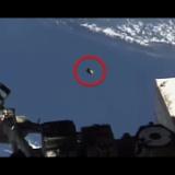 【UFO】ISS(国際宇宙ステーション)のライブ映像にUFOが映り込む