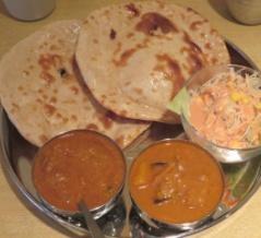 》2食め《 十条の西インド料理「モンカレー」でランチ「ダブルカレーセット」