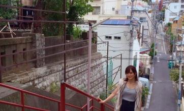 【画像】可愛い!山本彩さん、「君の名は。」のあの階段に行く!