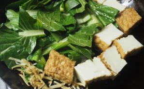 小松菜と厚揚げで