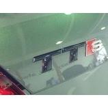 『【スタッフ日誌】TTのブラックエンブレムを施工させて頂きました』の画像