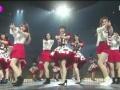 韓国の音楽祭にAKBと秋元康が登場、韓国アイドルに鼻で笑われるwwwwwwwwwwwwwwwwwwww(画像あり)