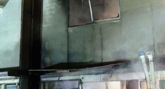 まん(26)、自宅で彼氏・母親と口論になり石油ストーブを投げつけ自宅を半焼させる