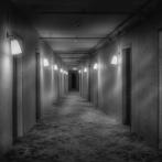 【恐怖】会社の先輩が体験した「彼女との一夜」が怖すぎた・・・