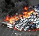 駐車場付近で車100台が炎上  兵庫
