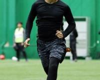 阪神中谷が五輪選手指導トレーナーから教え受ける