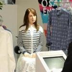 """【社会】""""看板娘""""はアンドロイド! 大阪・ミナミの百貨店で接客・販売"""