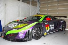 エヴァレーシング、新しいマシンとレースクイーンを発表