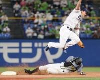 阪神首位固めに「代走の重圧」 植田、熊谷、島田で盗塁成功率9割0分9厘
