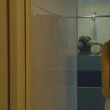 """『【乃木坂46】飛鳥も濡れてる!!『ザンビ』秋元真夏の""""シャワーシーン""""ついにキタ━━━━(゚∀゚)━━━━!!!』の画像"""