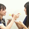 やんちゃんとかっきーが同時に「あーん」してる動画w ニヤニヤが止まらんわw【乃木坂46】