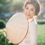 【画像】美人ベトナム人女性(25)、工場勤務のおっさん(49)と結婚した結果・・・