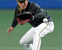阪神陽川 51打数4安打 .098 2本塁打3打点