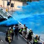 【香港】香港警察が噴射の無害なはずの「青い水」の分析結果=催涙・有毒化学物質が… [海外]