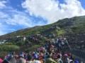 【画像】日本人さん、山登りすら一斉にやり大渋滞wwwww