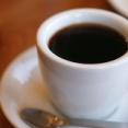 後輩「ブラックコーヒーとかwwwなにイキってんッスかwwwwww」
