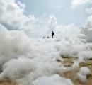 近づくなかれ インドの海岸で発生している泡が危険なわけ