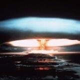 【画像】宇宙から撮った核実験の写真が怖すぎる。爆発の煙で地球が覆われとる