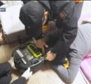 【画像】ロボット掃除機を動かしたまま床で寝た女性、髪の毛をゴミと間違われ掃除機に盛大に毟り取られる 韓国