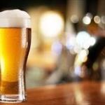 """「とりあえずビール」は時代遅れ? """"いきなりハイボール""""派の意見"""