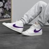 『5/20 発売 Nike Blazer Mid '77 VNG(ナイキ ブレーザー MID '77 ビンテージ)BQ6806-105 』の画像