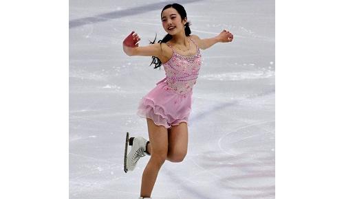 本田真凜シニアデビュー戦SPで首位、海外も圧巻の滑りとピンクの衣装にメロメロ、USクラシック