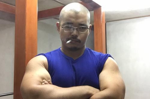 【画像】ワシの体晒します。筋肉を評価してくださいのサムネイル画像