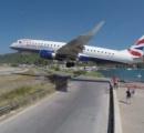 世にも危険なセルフィー穴場、空港の滑走路前で命をかけてインスタ映え写真を撮る人々  マーティン空港