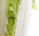 白菜に黒いブツブツ! カビてる! 問題ないのにクレームをつける客 / スーパーや農家が困惑