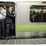 満員電車解消ってなんで注目の政策にならないの?