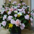 『簡単に作ってきれいに飾る【バラのペーパーフラワー作り方】とアレンジ』の画像