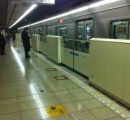 昨日の中央線中野駅人身事故、女性に接触した男性がホームに転落して起きた事が防犯カメラから判明