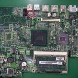 『iBookG3/800MHz 12inchロジックボードのスピーカーコネクタのハンダ付けと回路修復手術』の画像