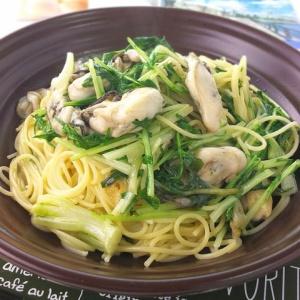 あっさりしながらも深い味わい♪牡蠣と水菜のオイルパスタ