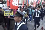 反トランプデモで市民がトランプ氏と安倍首相の首を紐でくくって釣る